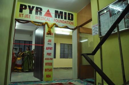PYRAMID IIT-JEE | MEDICAL | FOUNDATION MANEWADA