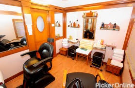 Aura Thai Spa And Pure Salon